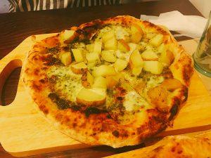 ピザの世界大会で活躍する 2人のピザ職人が 北海道の食材を活かして作るピザ それが北海道ピザです